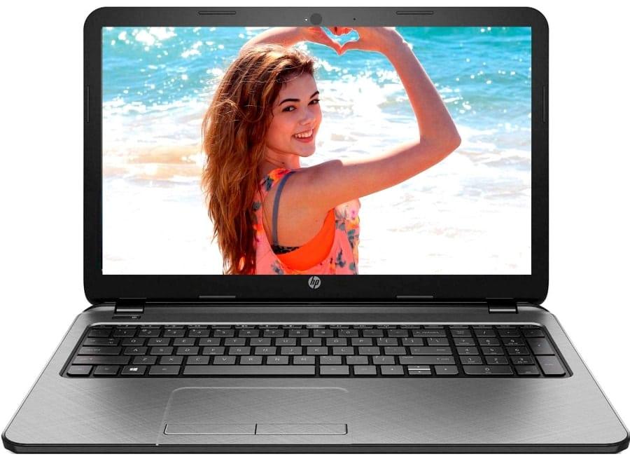 Ноутбук с девушкой на экране
