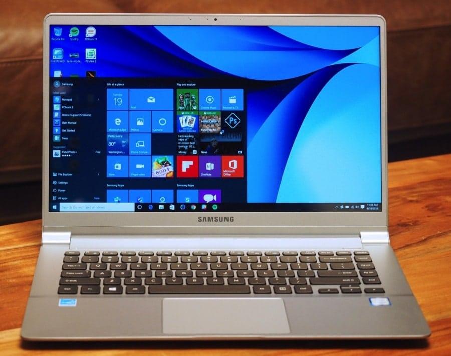 Стильный ноутбук Samsung