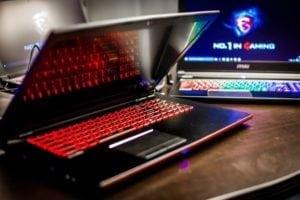 Игровой ноутбук с подсветкой клавиатуры